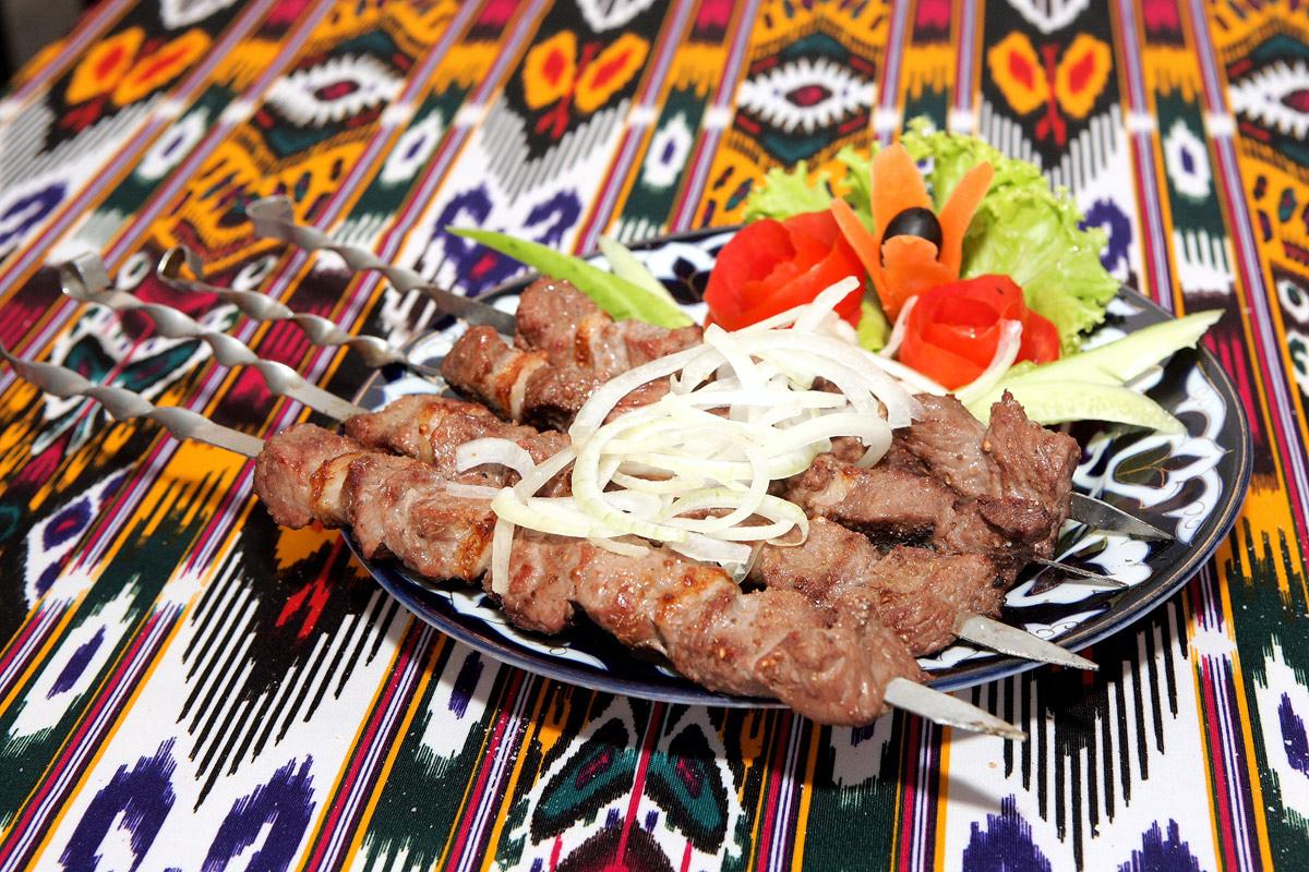 Шашлык из баранины по узбекски