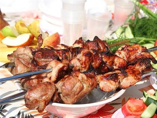 Шашлык из мяса кролика в майонезе